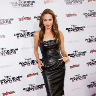 "Angelina Jolie in ""Inglourious Basterds"" Los Angeles Premiere - Arrivals"
