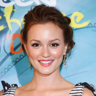 Leighton Meester in 2009 Teen Choice Awards - Press Room