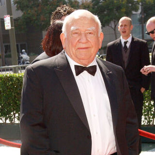 Edward Asner in 61st Annual Primetime Creative Arts Emmy Awards - Arrivals