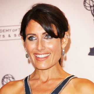 Lisa Edelstein in 61st Annual Primetime Creative Arts Emmy Awards - Press Room