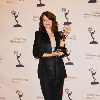 Tina Fey in 61st Annual Primetime Creative Arts Emmy Awards - Press Room
