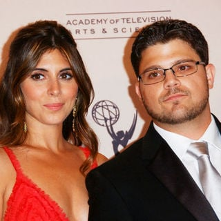 Jamie-Lynn Sigler, Jerry Ferrara in 61st Annual Primetime Creative Arts Emmy Awards - Press Room