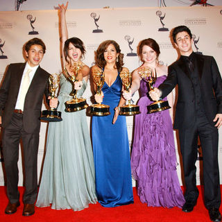 Jake T. Austin, Selena Gomez, Maria Canals Barrera, Jennifer Stone, David Henrie in 61st Annual Primetime Creative Arts Emmy Awards - Press Room