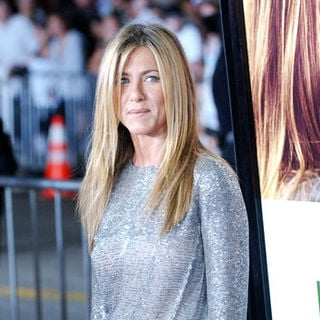 "Jennifer Aniston in ""Love Happens"" World Premiere - Arrivals"