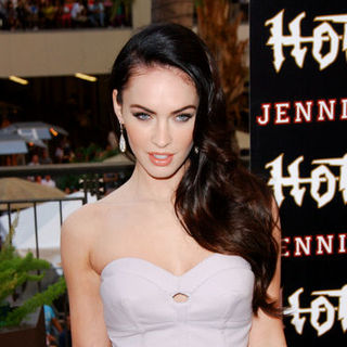 "Megan Fox in ""Jennifer's Body"" Fan Event - Arrivals"
