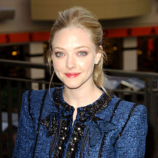 "Amanda Seyfried in ""Jennifer's Body"" Fan Event - Arrivals"