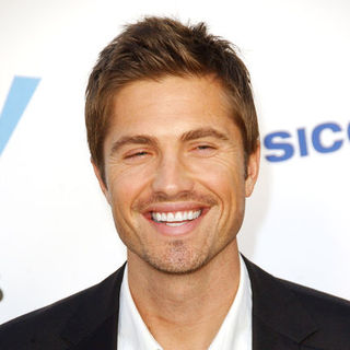 Eric Winter in 2009 NCLR ALMA Awards - Arrivals - ALO-086800