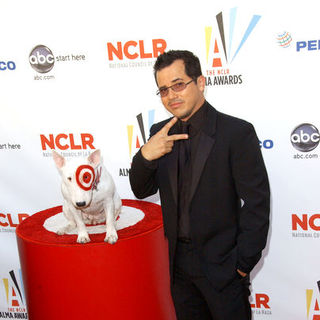 John Leguizamo in 2009 NCLR ALMA Awards - Arrivals