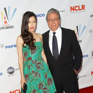 Lymari Nadal, Edward James Olmos in 2009 NCLR ALMA Awards - Arrivals