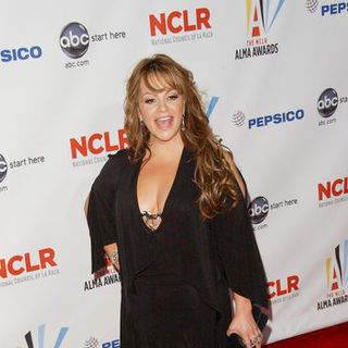 Jenni Rivera in 2009 NCLR ALMA Awards - Arrivals
