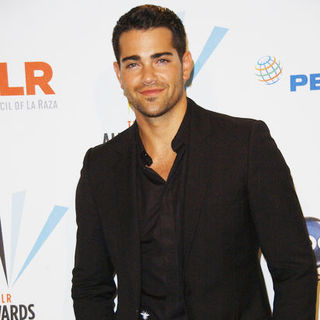 Jesse Metcalfe in 2009 NCLR ALMA Awards - Press Room