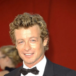 Simon Baker in The 61st Annual Primetime Emmy Awards - Arrivals