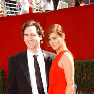 Daniel Zelman, Debra Messing in The 61st Annual Primetime Emmy Awards - Arrivals