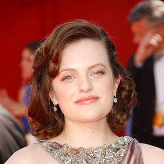 Elisabeth Moss in The 61st Annual Primetime Emmy Awards - Arrivals