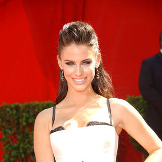 Jessica Lowndes in The 61st Annual Primetime Emmy Awards - Arrivals