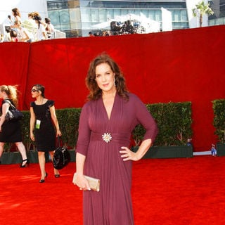 Elizabeth Perkins in The 61st Annual Primetime Emmy Awards - Arrivals