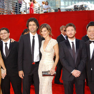 Jamie-Lynn Sigler, Jerry Ferrara, Adrian Grenier, Perrey Reeves, Kevin Connolly, Rex Lee in The 61st Annual Primetime Emmy Awards - Arrivals
