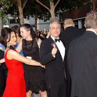 Jon Stewart in The 61st Annual Primetime Emmy Awards - Arrivals - ALO-087910