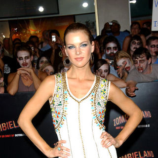"Lisa Jay in ""Zombieland"" Los Angeles Premiere - Arrivals"
