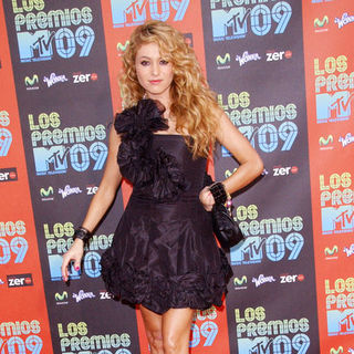 Paulina Rubio in 2009 MTV Latin VMAs - Arrivals