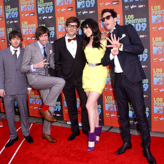 Cobra Starship in 2009 MTV Latin VMAs - Arrivals