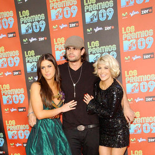 Dakota Pike, A.J. Lamas, Shayne Lamas in 2009 MTV Latin VMAs - Arrivals