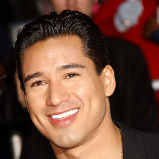 "Mario Lopez in ""This Is It"" Los Angeles Premiere - Arrivals"