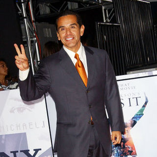 "Antonio Villaraigosa in ""This Is It"" Los Angeles Premiere - Arrivals"