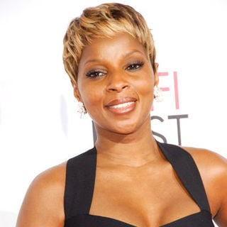 "Mary J. Blige in ""Precious"" Los Angeles Premiere - Arrivals"