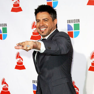 Luis Enrique in The 10th Annual Latin GRAMMY Awards - Arrivals
