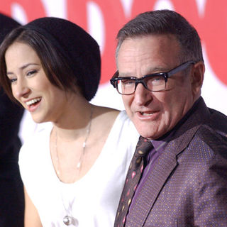 "Robin Williams, Zelda Williams in ""Old Dogs"" Los Angeles Premiere - Arrivals"