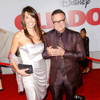 "Robin Williams, Susan Schneider in ""Old Dogs"" Los Angeles Premiere - Arrivals"