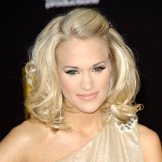 Carrie Underwood in 2009 American Music Awards - Arrivals