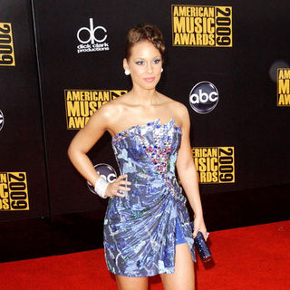 Alicia Keys in 2009 American Music Awards - Arrivals