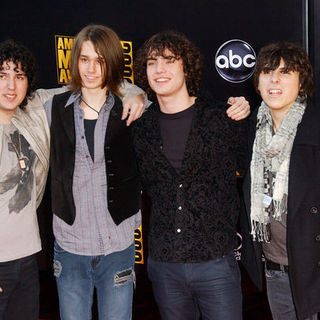 Comic Book Heroes in 2009 American Music Awards - Arrivals