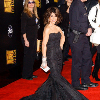 Paula Abdul in 2009 American Music Awards - Arrivals