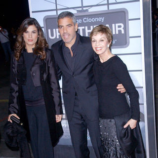"George Clooney, Elisabetta Canalis, Nina Warren in ""Up in the Air"" Los Angeles Premiere - Arrivals"