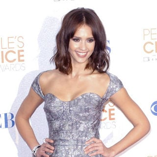 Jessica Alba in 36th Annual People's Choice Awards - Press Room