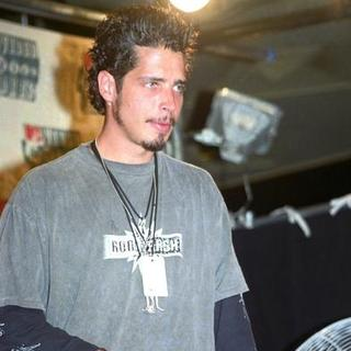 Chris Cornell in 1994 MTV Video Music Awards