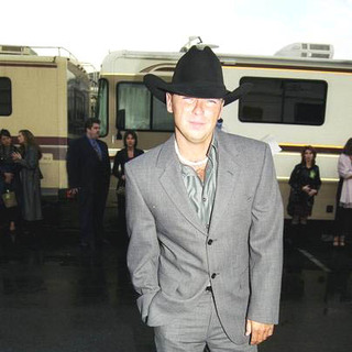 Kenny Chesney in 28th Annual American Music Awards
