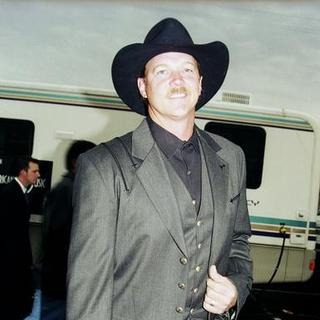 Trace Adkins in 27th Annual American Music Awards
