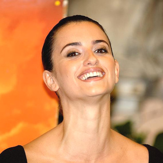 Penelope Cruz - Sahara Movie Photocall at the Hotel Eden in Italy
