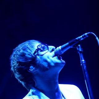 Oasis - Oasis Live in Concert at the Palalottomatica Arena in Rome