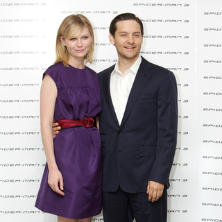 Tobey Maguire, Kirsten Dunst in Spider-Man 3 Photocall in Rome, Italy