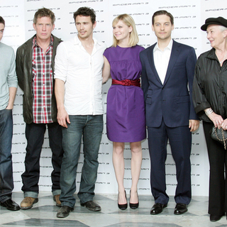Tobey Maguire, Kirsten Dunst, James Franco, Topher Grace, Sam Raimi in Spider-Man 3 Photocall in Rome, Italy