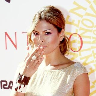 Eva Mendes in Valentino Garavani Fashion Show - Red Carpet Arrivals