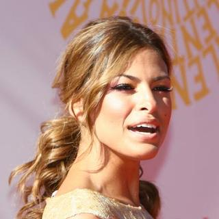 Eva Mendes in Valentino Garavani Fashion Show - Red Carpet Arrivals - ASG-006831