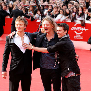 "Jamie Campbell Bower, Charlie Bewley, Cameron Bright in 4th Annual Rome International Film Festival - ""The Twilight Saga's New Moon"" Premiere - Arrivals"