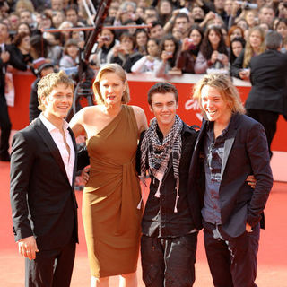 "Jamie Campbell Bower, Charlie Bewley, Cameron Bright, Melissa Rosenberg in 4th Annual Rome International Film Festival - ""The Twilight Saga's New Moon"" Premiere - Arrivals"