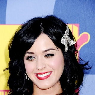 Katy Perry in 2008 MTV Video Music Awards - Arrivals
